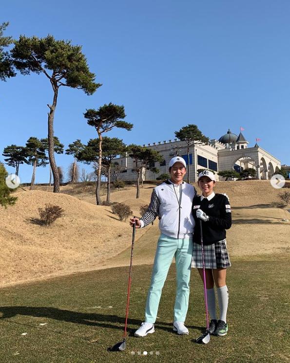 이완 데이트, 아내 이보미와 골프장에서…